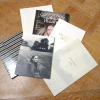 野田氏の部署で手がけた<br>カタログの数々