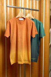 二村毅氏ディレクションによる<br>North, East, South, West,のTシャツ<br>各8,190円<br>(North, East, South, West,)