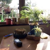 元はキッチンにあったというテーブル。<br>リラックススペース模索中。
