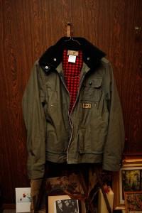 この秋冬に良く着たという<br>ネペンテスで購入した<br>Dansのジャケット<br>(本庄氏私物)