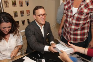 the-sartorialist-signing-colette-1