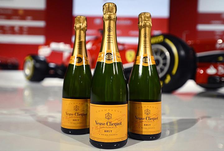 Veuve-Clicquot-&-Ferrari