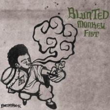 Budamunk『Blunted Monkey Fist』Sick Teamのアルバムから半年、満を持してリリースされたBudamunk待望のソロアルバム。Sick TeamのメンバーやPSG、仙人掌といった国内勢はもちろん、盟友Joe Stylesをはじめとした海外組も多数参加した豪華盤。