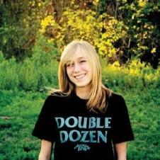 CUBISMO GRAFICO FIVE『DOUBLE DOZEN』2009年にアメリカのSXSWフェスティヴァル出演で受けた米国インディーズからの影響をもとに制作された4作目のアルバム。全24曲が40分で一気に駆け抜ける爽快にして痛快な作品だ。