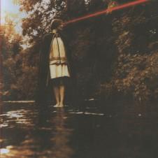 Scout Nibbrett『This Fool Can Die Now』90年代のグランジ、オルタナティヴの流れを汲む英国の女性シンガー・ソング・ライターがプロデューサーにスティーヴ・アルビニを迎えた2007年作。ACOが取り上げたボニー・プリンス・ビリーとのデュエット曲「Kiss」はロマンスの炎が静かに燃え上がる隠れた名曲だ。