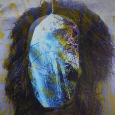 Gonno「The Noughties」(2013年) 世界中のダンス・ミュージック・マニアから熱い視線が注がれているNYのラジオ局、WNYU FMの人気ウィークリー・プログラム、Beats In Space。そのレーベル第9弾として、リリースされた本作はアシッディなシャッフル・リズムに高みへと誘われる「Are You Asleep」を含む、ベクトルの異なるキラーな3曲を収録。Gonnoのオルタナティヴな才能が遺憾なく発揮されている。なお、アートワークはP.A.M.のミーシャ・ホレンバックが担当。