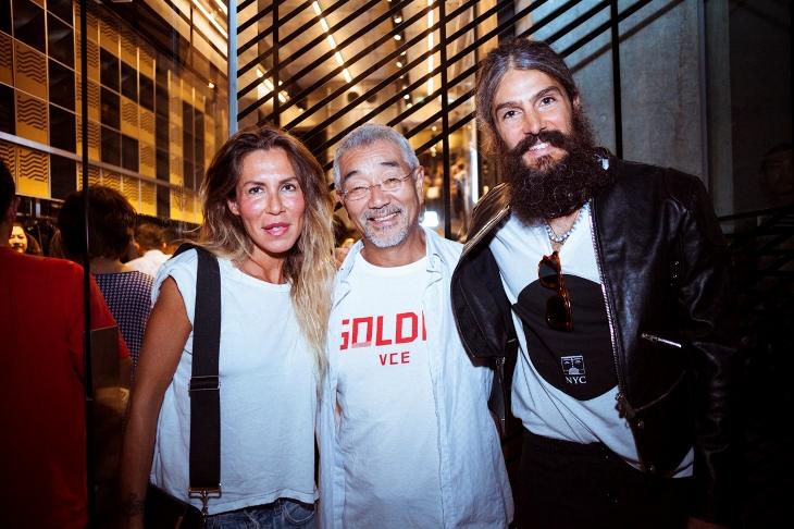 左から[GOLDEN GOOSE DELUXE BRAND®]デザイナーのフランチェスカ・リナルド、トゥモローランド佐々木社長、[GOLDEN GOOSE DELUXE BRAND®]デザイナーのアレッサンドロ・ギャッロ