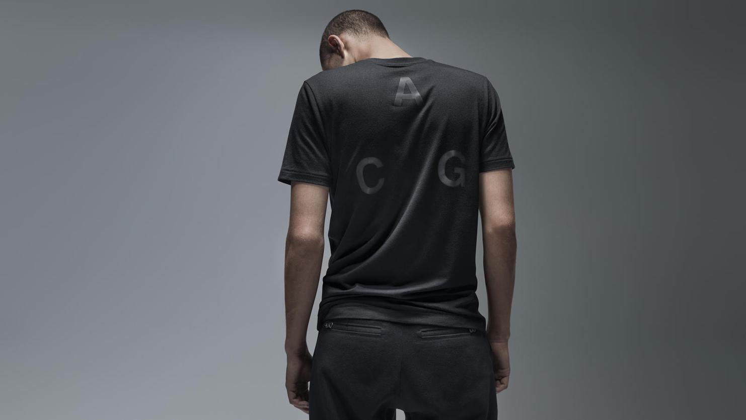 Nike_ACG_Pocket_Tee_native_1600
