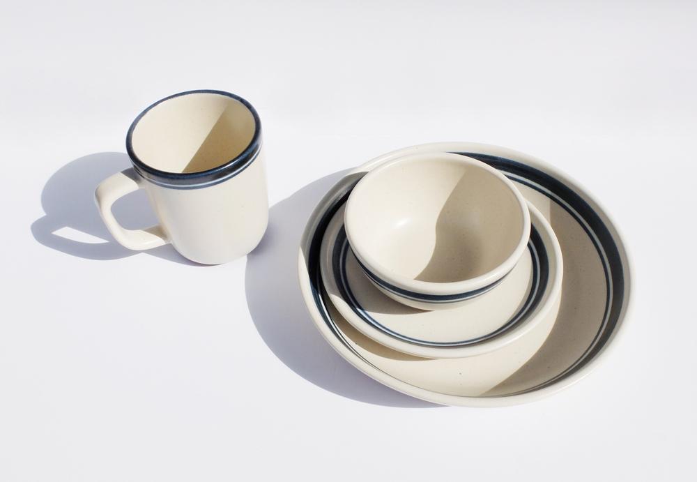 Mug Cup 4,000円 + 税、Bowl 3,200円 + 税、Plate 3,700円 + 税、Deep 4,600円 + 税