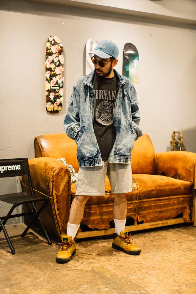 Levi's®のジャケット 16,800円、F-LAGSTUF-Fのショーツ 12,000円(ともに税抜価格)