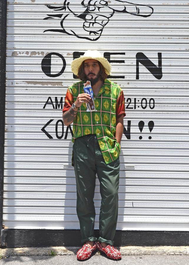 ディレクター Shimon Shirt[HAORI SHIRT]  27,000円 + 税 Hat[MAISON Birth]  11,000円 + 税 Pants[UNUSED]  25,000円 + 税 Shoes[UNUSED]  49,800円 + 税