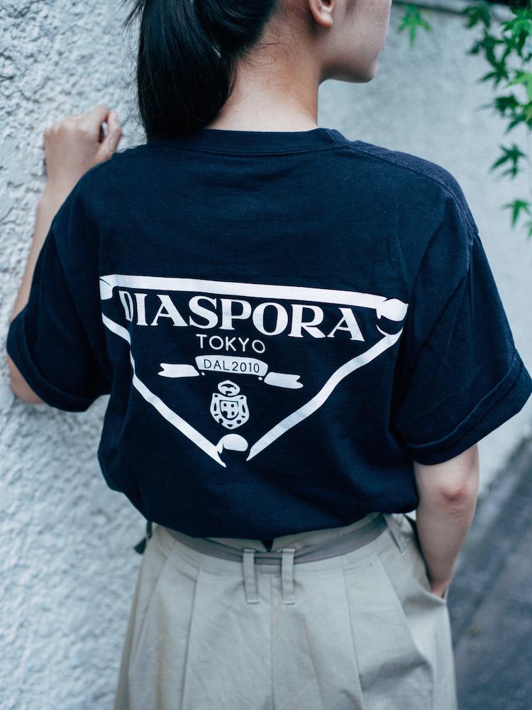 Diaspora skateboardsのバックプリントTシャツ 編集部員私物