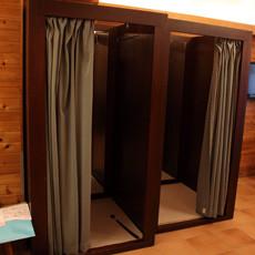 ゆとりのある店内には、 もちろん試着室も完備。