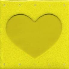先行シングル「Statement」がビルボード・チャート初登場23位を記録した2008年の名作アルバム『Smile』。 日本盤と海外盤の2種類があり、日本盤は特殊パッケージとなっている。