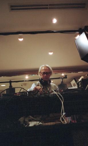 UNITED ARROWSの創設者のひとり、栗野宏文もDJプレイを披露した