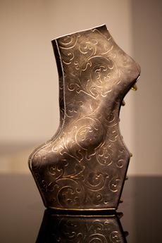 個展に合わせて制作された、 ヴァルヴィート エイティーワン別注モデル。 441,000円 ※受注生産 (ヴァルヴィート エイティーワン)