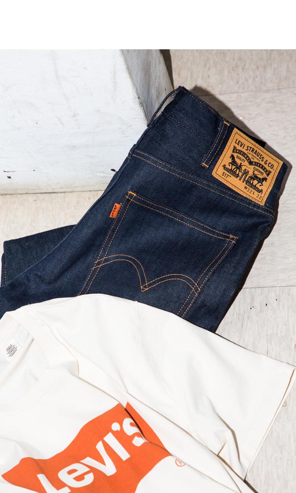 Levi's®︎の517™ 13,000円、Tシャツ 4,000円 (ともにLEVI STRAUSS JAPAN K.K. TEL 0120-099-501)→商品の詳細をチェックする