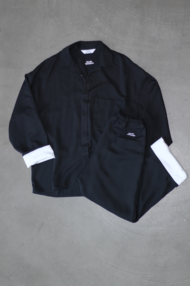 Open Collar Shirt Jacket 30,000円、Easy Trousers Wide Fit 28,000円(ともに税抜価格)